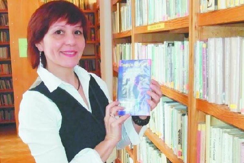 Łomżyniacy oprócz kryminałów czytają też historię, fantastykę – mówi Elżbieta Ziółkowska, bibliotekarka.