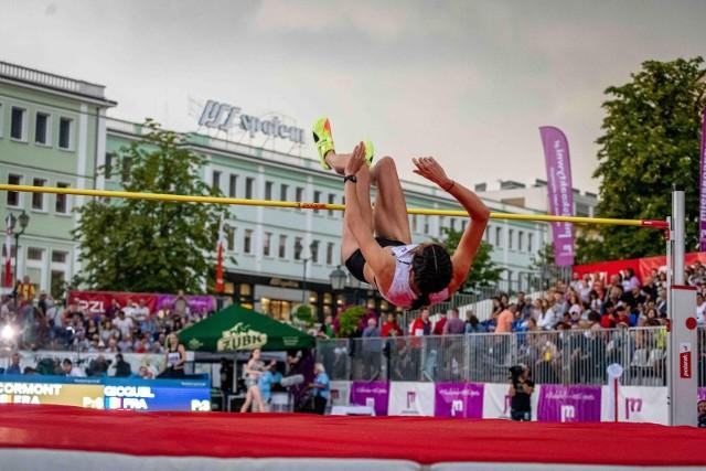 W piątek (20.08) na Rynku Kościuszki w Białymstoku odbył się Mityng Gwiazd. W lekkoatletycznych zawodach wystartowali zawodnicy z całego świata. Na imprezie pojawili się również olimpijscy medaliści z Tokio: Maria Andrejczyk i Wojciech Nowicki.