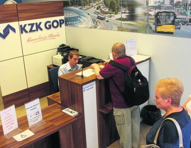 Pasażerowie z Tarnowskich Gór po kartę jeżdżą do innych miast