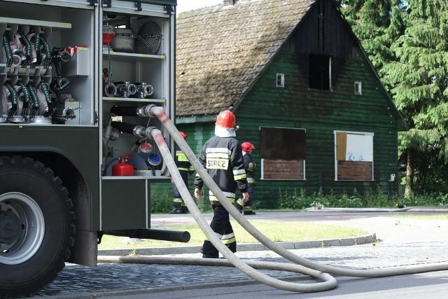 Pożar zaniepokoił mieszkańców okolicznych budynków. To już nie pierwszy pożar w tej okolicy.
