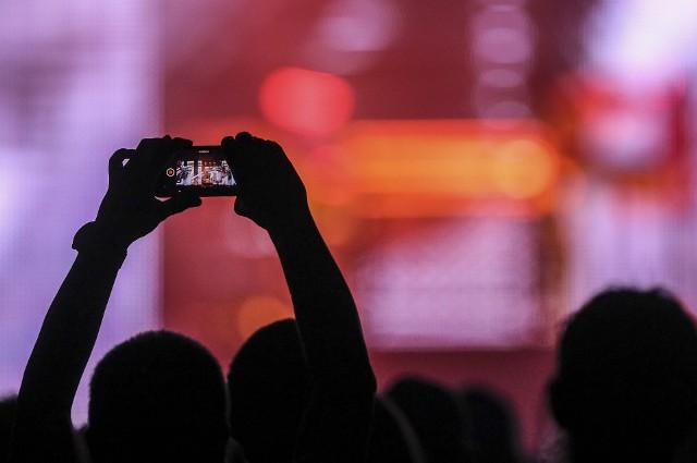 Smartfon jest dziś nieodłącznym elementem naszego stylu życia, od dawna już wykraczającym poza zwykłe wykonywanie połączeń i wysyłanie SMS-ów.