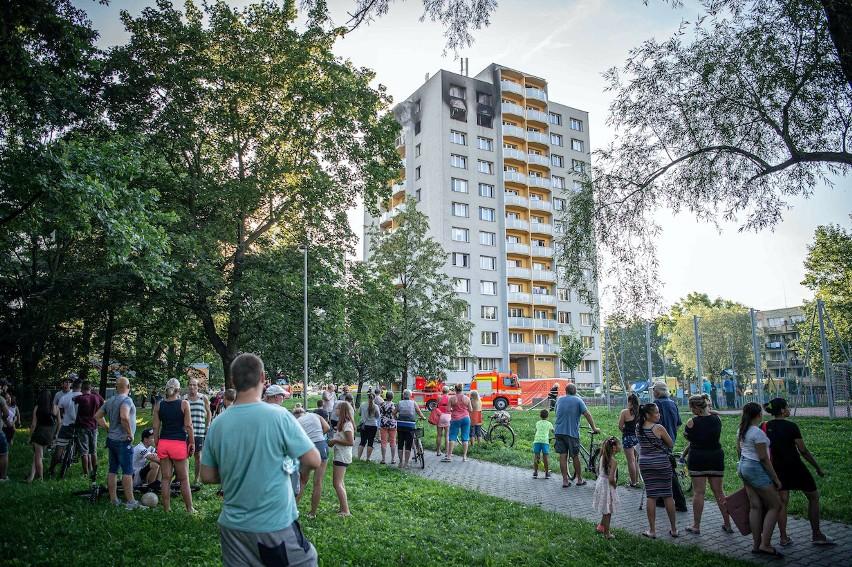 Czechy: Tragiczny pożar bloku. Podpalił mieszkanie sąsiada, zginęło 11 osób. Ludzie skakali z okien, by się ratować