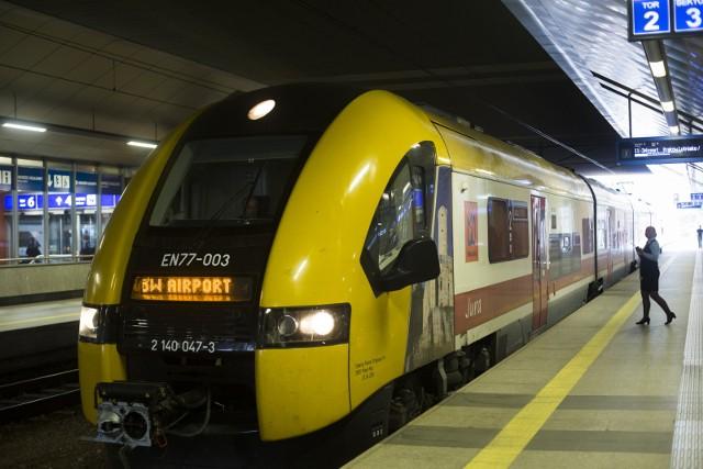 Bez przesiadek, do lotniska w Balicach można dziś dojechać pociągiem tylko z dwóch miast - z Krakowa oraz Wieliczki