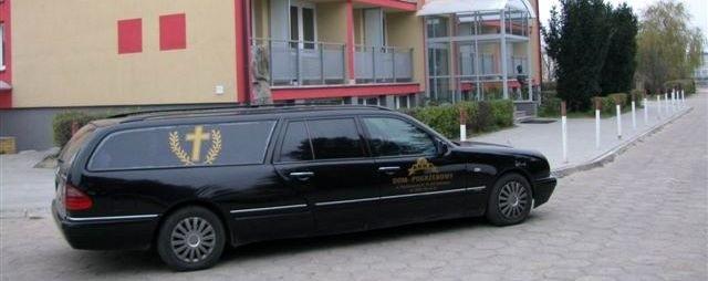 Karawan pod hotelem Miejskiego Ośrodka Sportu i Turystyki. Ciało mężczyzny zostanie wydane rodzinie.