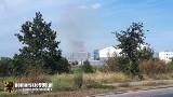 Pożar traw przy ul. Wrzosy w Gdańsku. Akcja gaśnicza z 9 zastępami strażaków