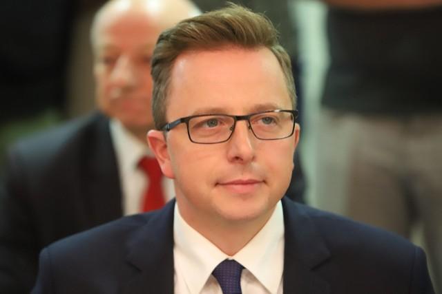 Dariusz Joński, radny KO, autor stanowiska w sprawie likwidacji składowiska odpadów w Zgierzu. Zmieniono je w taki sposób, że nie poparł go sam autor.
