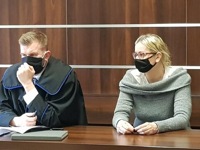 Dr hab. Monika Ożóg była dyrektorką MŚO od grudnia 2018 do początku marca 2020 r. Zrezygnowała po tym, jak pojawiły się kontrowersje wokół przedstawionej przez nią koncepcji. Sprawa ma finał przed Sądem Rejonowym w Opolu.