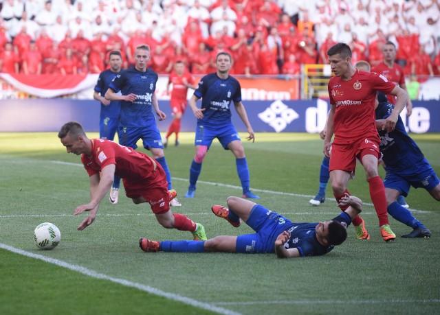 W naszej zabawie walczą między sobą piłkarze ŁKS i piłkarze Widzewa