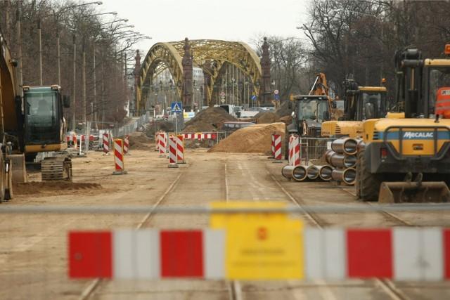 W tym roku czeka nas tylko prowizoryczny remont mostu Zwierzynieckiego. Poważniejszy remont będzie przeprowadzony dopiero w 2016 lub 2017 roku