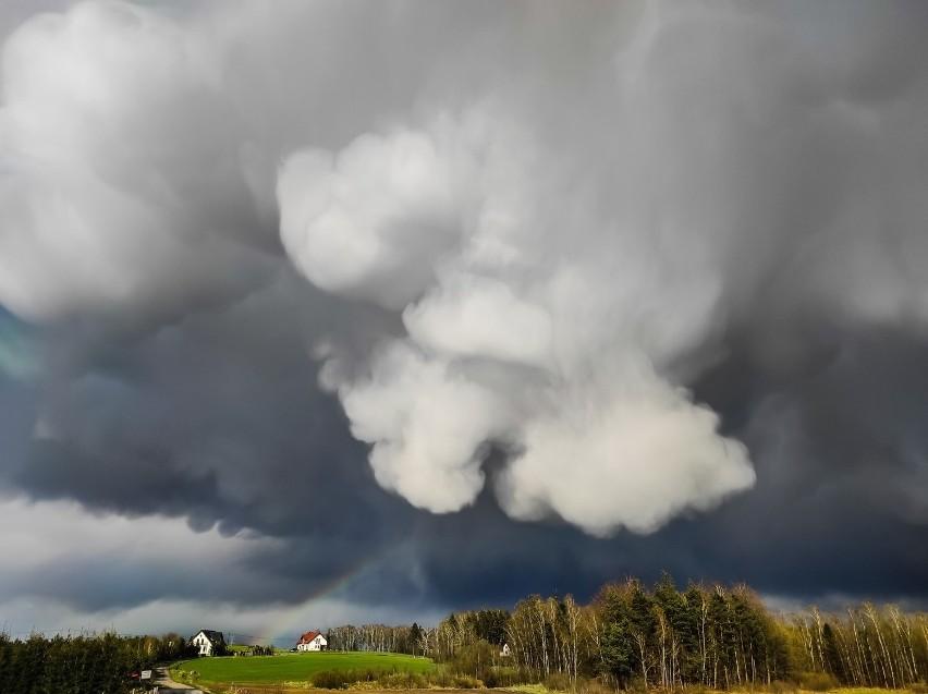Kaszubskie niebo z niesamowitymi chmurami! Autorką wyjątkowych fotografii jest Anna Nidecka. Zobaczcie zdjęcia!