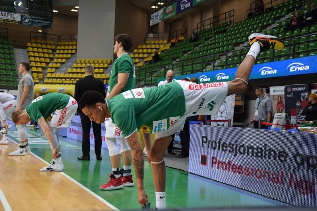Koszykarze Stelmetu Enei BC Zielona Góra znów wygrali! Razem ze wspaniałymi kibicami po raz dziewiąty w tym sezonie Energa Basket Ligi obronili swoją twierdzę - halę CRS. Zwycięstwo nad Startem Lublin (100:93) było już 13 z rzędu triumfem zielonogórzan w tych rozgrywkach! Obejrzyjcie na zdjęciach przedmeczową atmosferę i to jak świetnie wspieraliście koszykarzy w trakcie spotkania >>>>POLECAMY: Tak prezentują się nowe cheerleaderki Stelmetu Enei BC [ZDJĘCIA]ZOBACZ TEŻ: W lidze VTB zielonogórzanie rozgromili w Tallinie KalevOBEJRZYJ: Co robił Łukasz Koszarek w więzieniu?