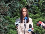 Od tragedii do cudu – kobieta z dziećmi cudem przeżyła przeraźliwy wypadek na pasach. Konferencja KWP w Katowicach