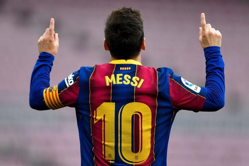 Barcelona musi zebrać 200 mln, by zarejestrować nowych piłkarzy. Messi wciąż bez kontraktu