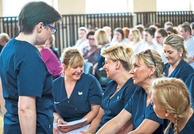 W Państwowej Wyższej Szkole Zawodowej w Koszalinie pielęgniarstwo studiuje obecnie około 170 osób.