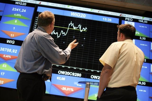 Fundusze inwestycyjne kojarzą się z dużymi pieniędzmi, które należy wyłożyć, by w nie zainwestować, ryzykiem i niepewnością zysku