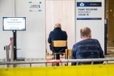 Koronawirus w Polsce. Ministerstwo Zdrowia: W niedzielę ponad 7 tys. nowych zakażeń. Ostatniej dobry zmarły 193 osoby