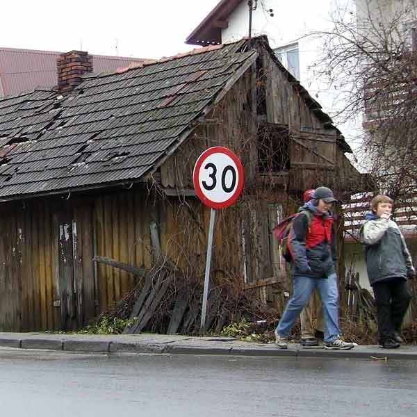 Rudera u styku ulic Głowackiego i Tysiąclecia ma zniknąć do końca roku.