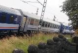 Wypadek pociągu PKP Intercity w Czerwionce. Wykoleił się pociąg relacji Warszawa - Bohumin. Oberwanie chmury podmyło tory