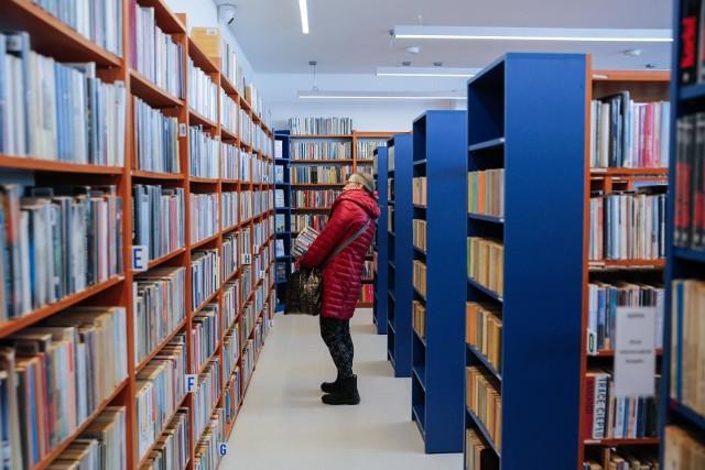 Biblioteki zostaną otwarte 4 maja 2020 roku, ale będą w nich obowiązywać nowe zasady Zobacz kolejne zdjęcia. Przesuwaj zdjęcia w prawo - naciśnij strzałkę lub przycisk NASTĘPNE