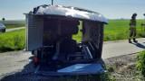 Wypadek drogowy w Skrajni Blizanowskiej pod Kaliszem. Bus przewożący dzieci zderzył się z osobówką