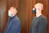 """W lesie pod Opolem mieli produkować narkotyki na wielką skalę. Prokurator wyliczył ponad 50 tys. """"działek"""""""
