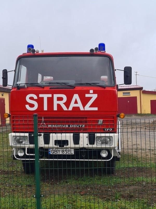 Kup sobie wóz strażacki. Gratka nie tylko dla strażaków.