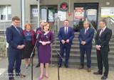 Spore pieniądze dla szpitali w Staszowie i Busku. Dzięki wsparciu minister Anny Krupki placówki otrzymały w sumie 610 tysięcy złotych