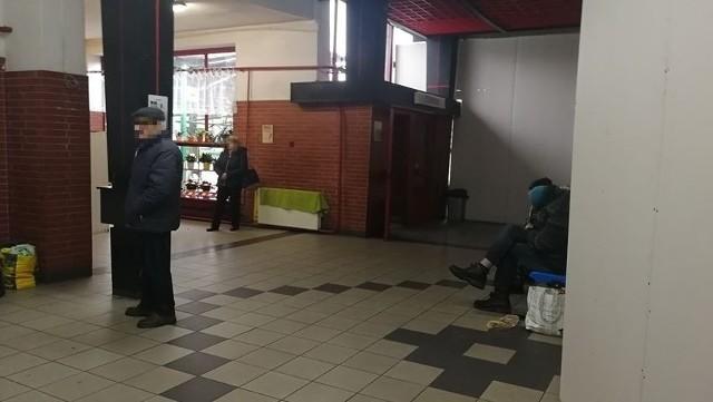 Kolejni Czytelnicy uskarżają się na stan dworca PKS w Zielonej Górze. Co zmieniło się tu w ostatnim czasie? A co jeszcze się zmieni?