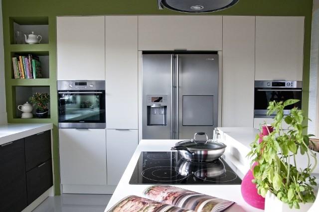 Aranżacja kuchniPiekarnik ma wiele funkcji. Urządzenie to przydatne jest zarówno kuchennym amatorom, jak i bardziej zaawansowanym kucharzom.