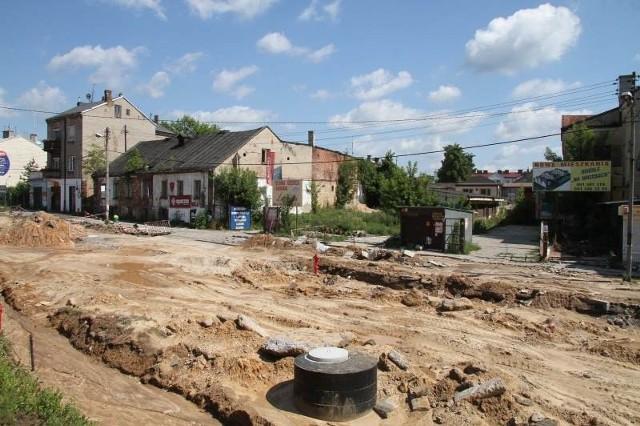 W tym miejscu powstanie nowa galeria handlowa z częścią biurową. Większość ze starych budynków będzie wyburzona.