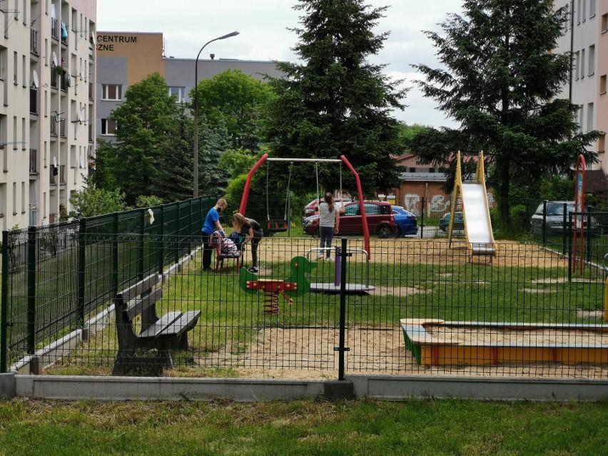 Libiąż. 65-latek próbował porwać chłopca z placu zabaw. Został zatrzymany dzięki pomocy dzieci. Jest pedofilem? AKTUALIZACJA