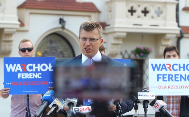 O godz. 6. do godz. 23.59 Marcin Warchoł będzie odwiedzał każde z rzeszowskich osiedli, by przekonać mieszkańców miasta, że jest najlepszym kandydatem na szefa miejskiej administracji.