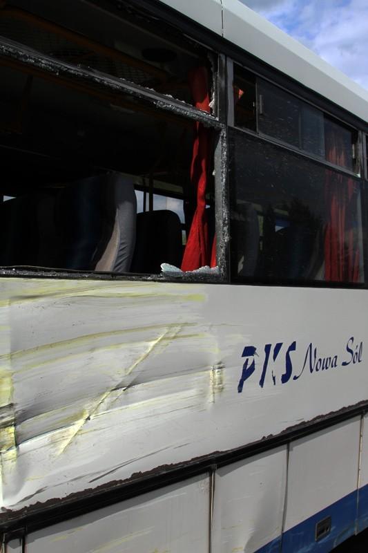 Zderzenie ciężarówki z autobusem pod Nową Solą