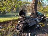 Wypadek pod Wejherowem! 11.05.2021 r. Samochód osobowy uderzył w trzy drzewa. Kierowca trafił do szpitala