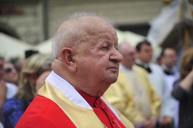 Powołana przez papieża komisja ma się zająć sprawą kardynała Stanisława Dziwisza.