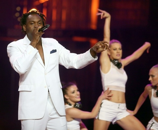 Dr. Alban podczas koncertu w Sopocie.