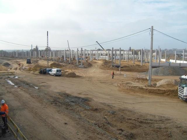 Prace przy budowie galerii handlowej Galardia w Starachowicach