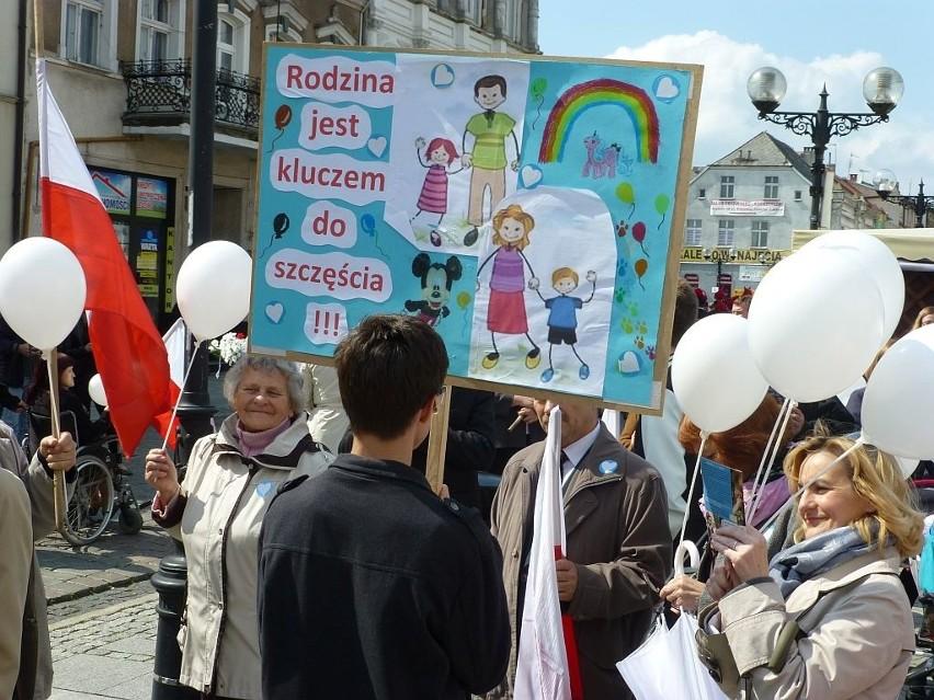 Migawka z inowrocławskiego marszu zorganizowanego w 2013 roku