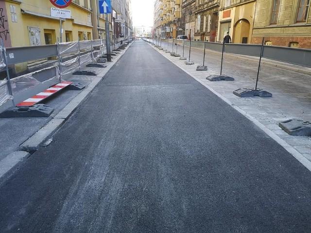 Fragment drogi rowerowej wzdłuż ulicy Dworcowej - ta część jeszcze jest zamknięta