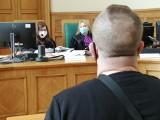 Zamordowali bezdomnego pod Łęczycą. Wpadli po latach z powodu wyrzutów sumienia. Ich proces toczy się w Łodzi