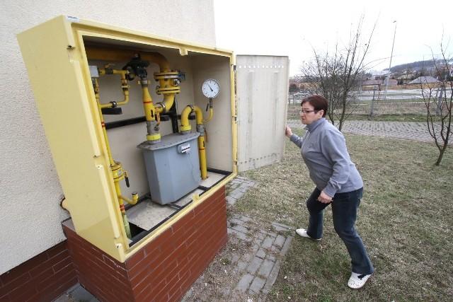 Jak mówi mieszkanka bloku, Wiesława Kaczor, każdy przechodzień może zajrzeć do ich skrzynki gazowej. Lokatorzy boją się, że zaistniała sytuacja realnie zagraża ich bezpieczeństwu.