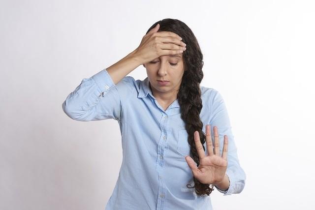 Ból głowy podczas migreny jest tak mocny, że utrudnia normalne funkcjonowanie