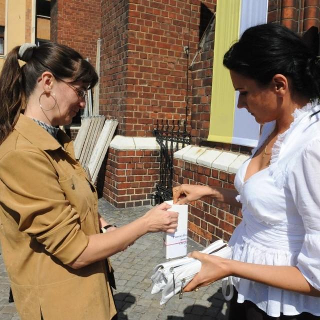 Sylwia Kaszub wsparła akcję prowadzoną w niedzielę przed kościołami.