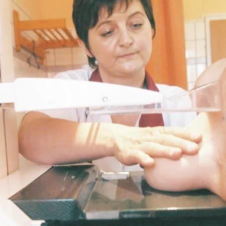 Mammografię w ramach programu profilaktycznego można zrobić, np. w gorzowskiej przychodni Panoramix. Wykonuje ją technik Ewa Tomaszewska.