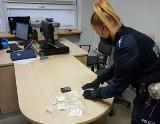 Kobieta ukryła narkotyki w bieliźnie. Rybniczanie wpadli przez brak pasów w aucie