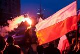 Obchody 102. rocznicy odzyskania niepodległości. Szef MON złożył kwiaty przed pomnikiem  śp. Prezydenta RP Lecha Kaczyńskiego