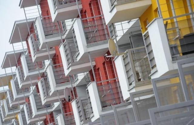 Od 2012 roku obowiązuje w Polsce tzw. ustawa deweloperska, regulująca pierwotny rynek nieruchomości i chroniąca prawa nabywcy.
