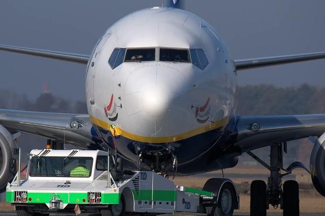 Niemal po 4 latach na płycie bydgoskiego Portu Lotniczego wylądował samolot linii Ryanair z kujawsko-pomorskimi akcentami.Zobacz więcej zdjęć i informacji o boeingu i reklamie regionu >>>Dni wolne 2019 - kiedy wziąć wolne, żeby było ich jak najwięcej?