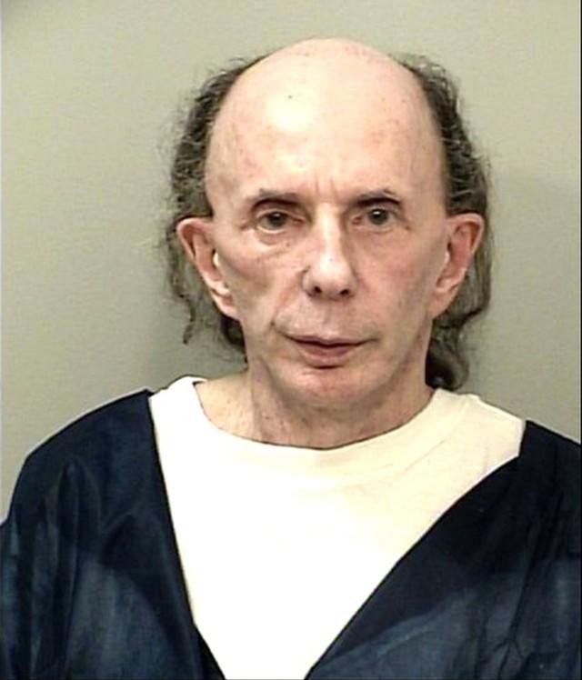 """Phil Spector (81 lat), twórca koncepcji """"ściany dźwięku"""", zmarł w więzieniu na COVID-19. Został skazany za zabójstwo aktorki Lany Clarkson"""