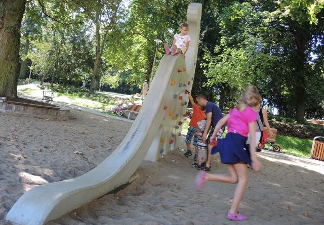 Już niedługo dzieci mieszkające w dzielnicy Ognica będą mogły bawić się tak dobrze, jak chociażby w Parku Chopina.